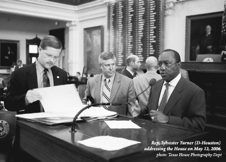 Sylvester Turner addressing the house on May 12, 2006, photo Texas House Photography Dept.