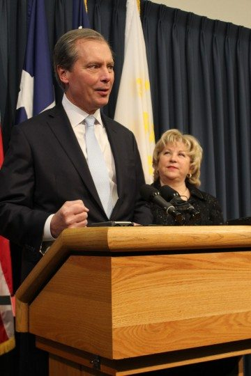 Lt. Gov. Dewhurst and Sen. Jane Nelson (R-Flower Mound) at Wednesday's press conference discuss SB 7 and 8.