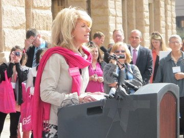 Sen. Wendy Davis (D-Fort Worth) speaks at a Planned Parenthood Rally.