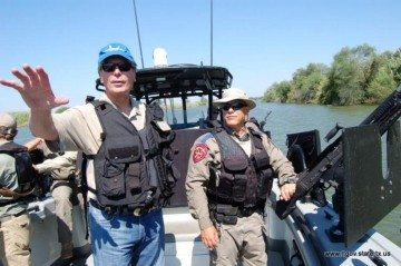 Lt. Gov. Dewhurst tours the Rio Grande on a well-armed DPS boat