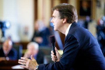 Sen. Dan Patrick delivers a passionate speech in favor of House Bill 2.