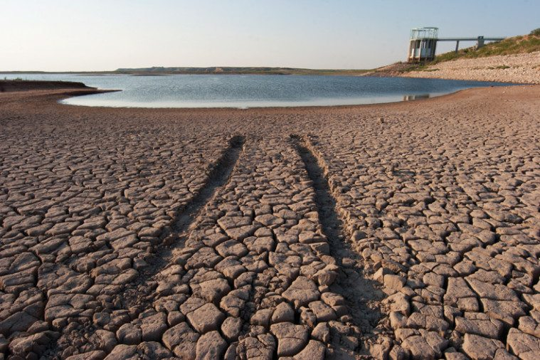 E.V. Spence Reservoir in West Texas nearly empty in 2011