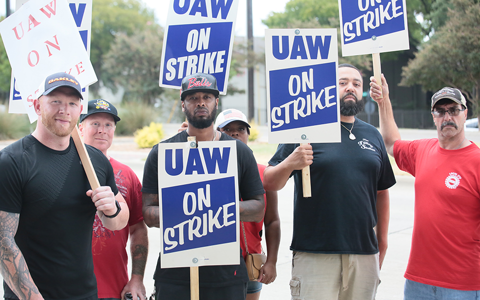 Workers along the picket lines in Arlington described years of pent-up frustration with how the company has treated them.