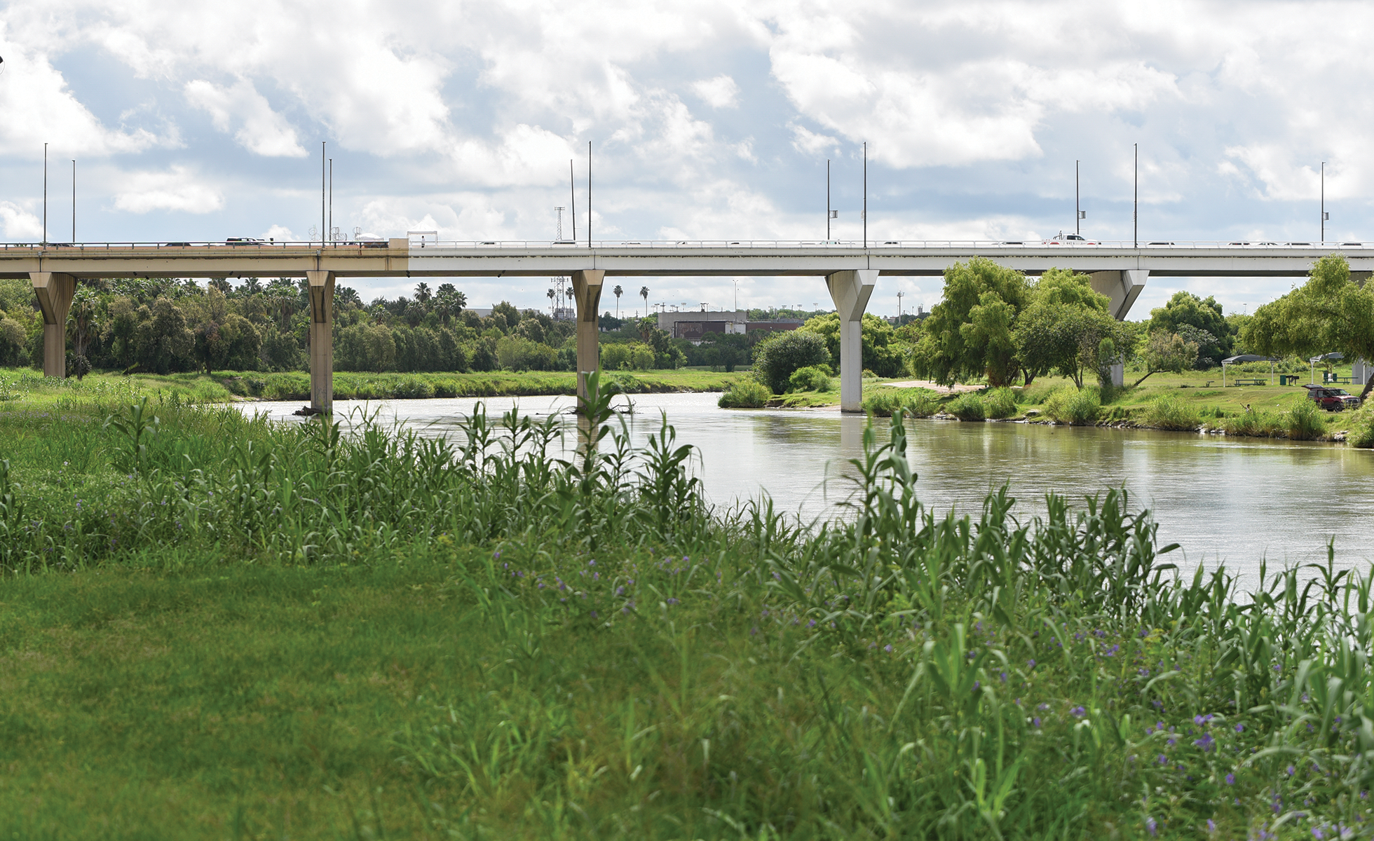 A view of Juárez-Lincoln International Bridge connecting the United States to Mexico over the Rio Grande in Laredo.